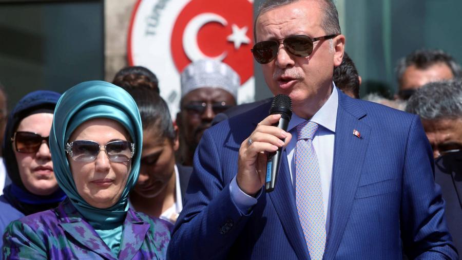 Portada  Erdogan: Una mujer que rechaza las labores de la casa se arriesga a perder su libertad.