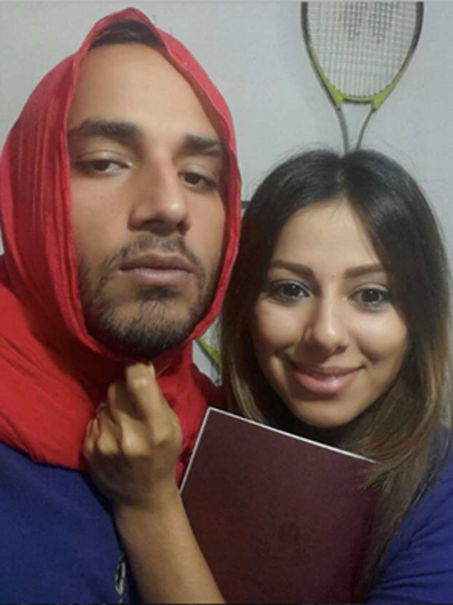 Portada  ¿Por qué los hombres se están poniendo el hijab en Irán?