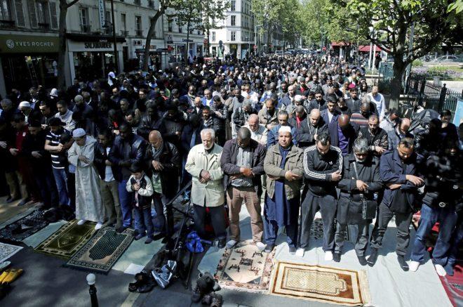 Portada  Los musulmanes franceses hacen piña contra Marine Le Pen