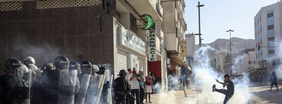 Portada  83 heridos, entre ellos uno en coma, en la manifestación del Rif prohibida por Marruecos