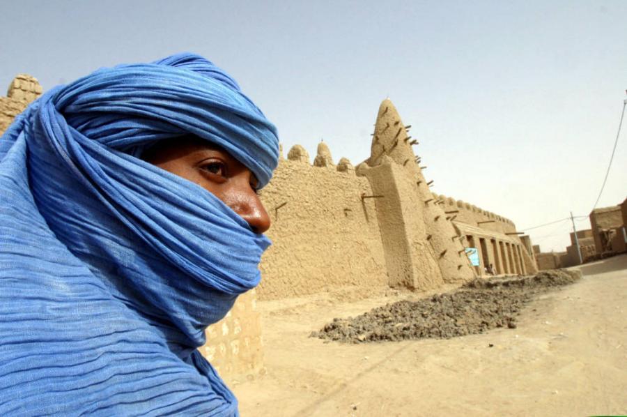 Portada  En la ciudad que nadie visita: Tombuctú, la Perla del Desierto, se derrumba sin turistas.