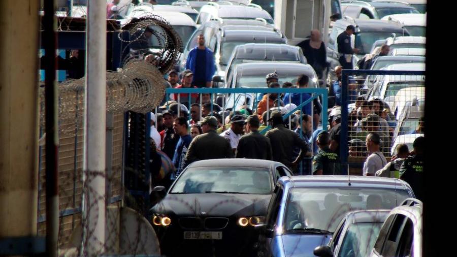 Portada  Empresarios de Ceuta denuncian el caos de la frontera con Marruecos: Es un infierno