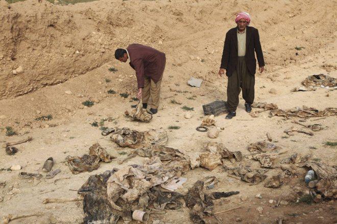 Internacional Internacional El Estado Islámico se repliega dejando atrás fosas comunes