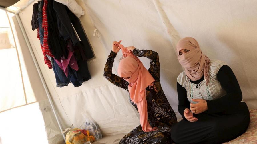 Portada  Nos obligaron a convertirnos al Islam antes de violarnos: las esclavas sexuales del ISIS
