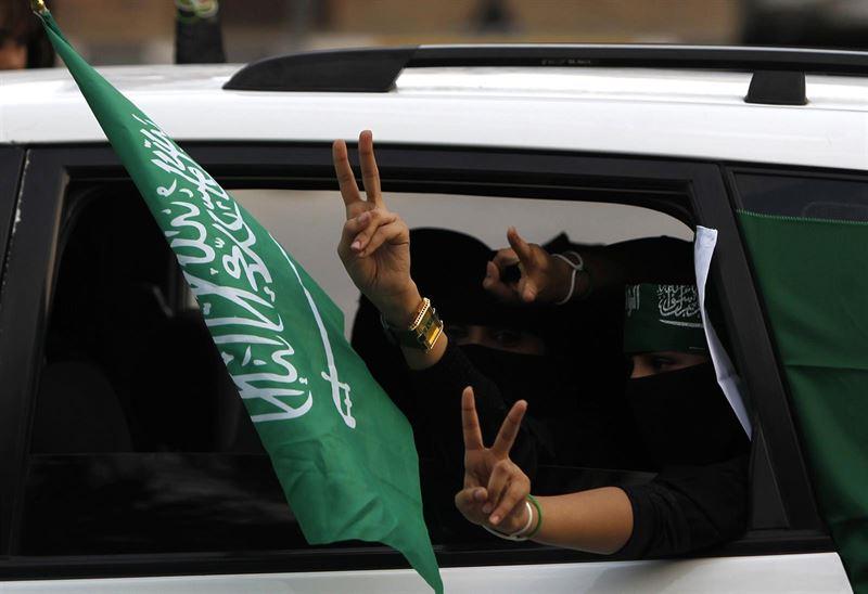 Mujeres Mujeres Un príncipe saudí afirma que será la sociedad la que decida si las mujeres pueden conducir