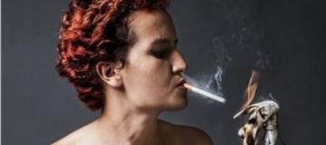 Mujeres Mujeres Amina Sboui, la Femen tunecina que asombró al mundo árabe vuelve a casa