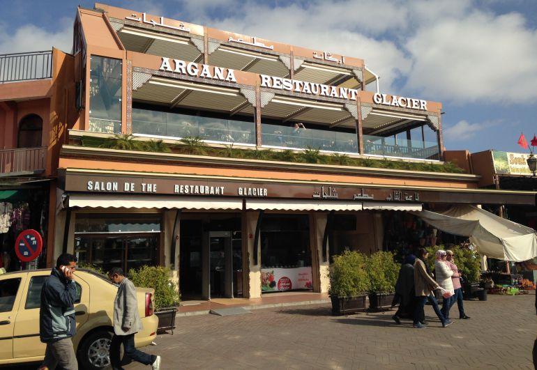 Portada  El café del atentado de Marrakech reabre repleto de seguridad y sin turistas